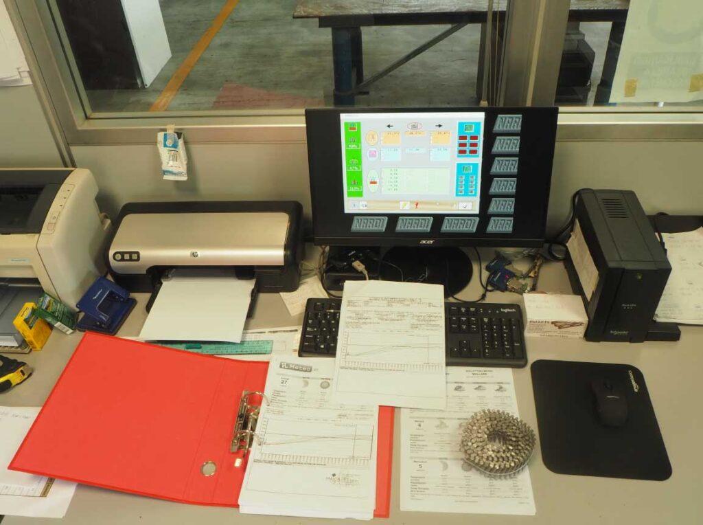 cabina e computer per controllo qualità pallet maica
